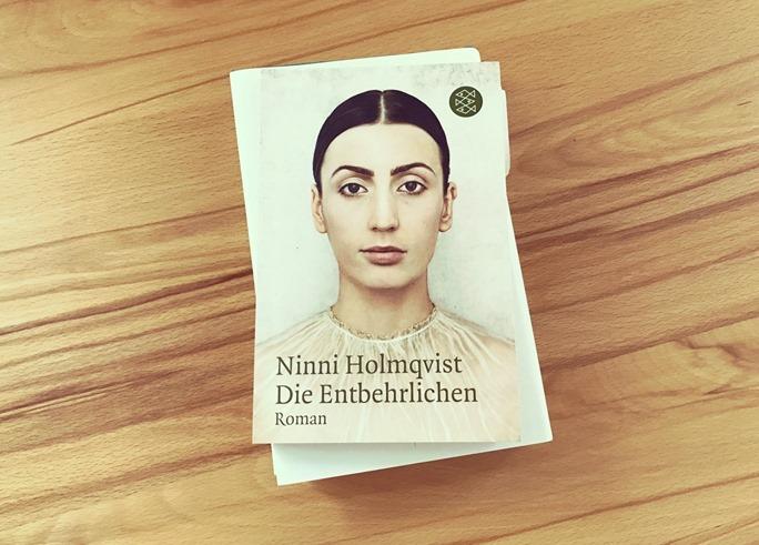 Rezension: Die Entbehrlichen von Ninni Holmqvist