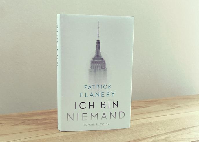 Rezension: Ich bin niemand von Patrick Flanery