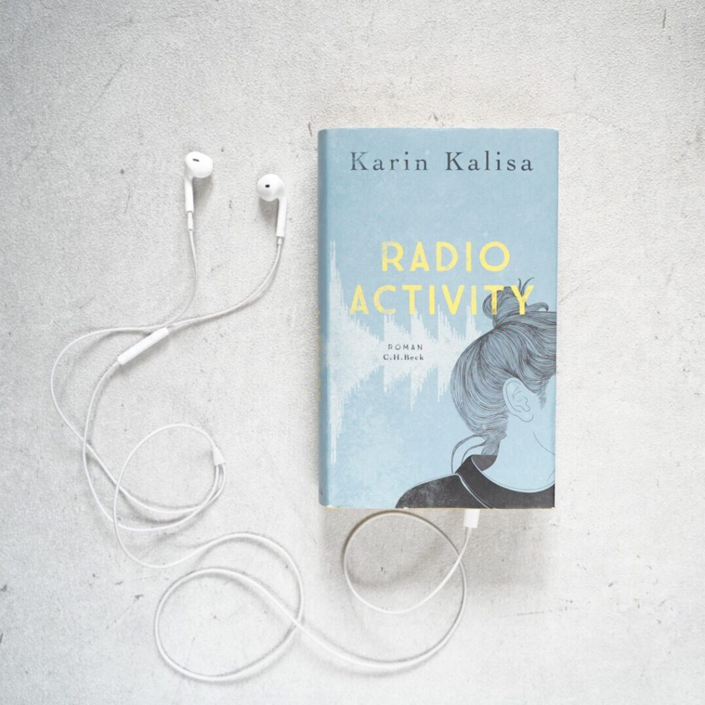 Rezension: Radio Activity von Karin Kalisa